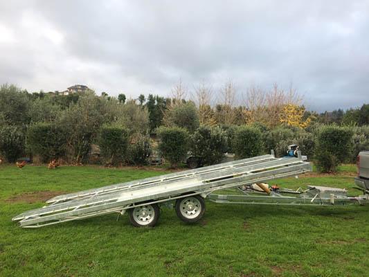 Roller tandem axle trailer